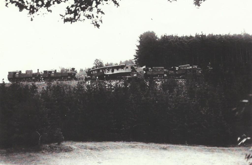 1932 - SRÁŽKA VLAKŮ V SO  2.7.1932 PŘED 20 H VEČERNÍ--x