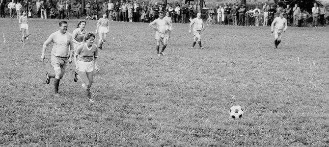 Fotoarchiv: Pouťový fotbalový zápas (1984)